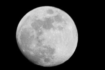 20170409 moon.jpg