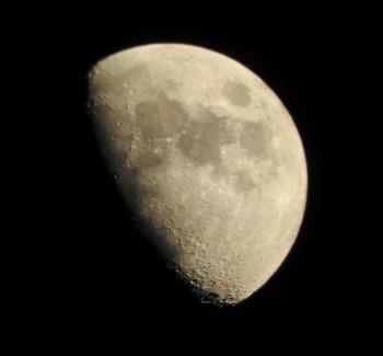 20160515 moon.jpg