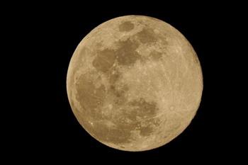 20180331 moon.jpg